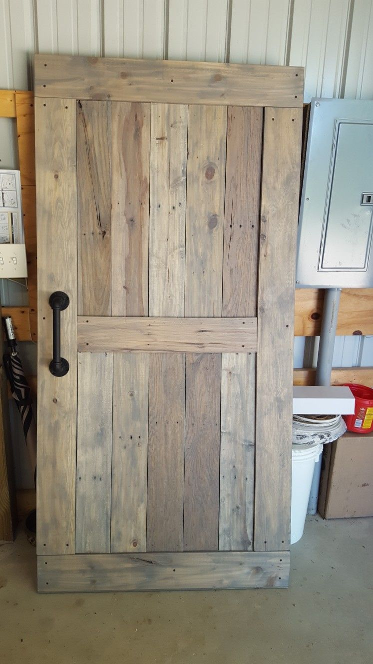 Barn Door Made From Pallet Boards Making Barn Doors Barn Door Designs Shed Homes