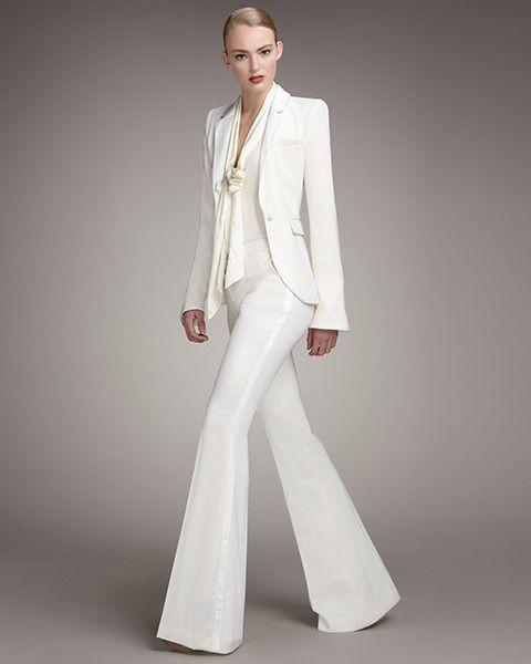 Killer pant suit....Tailleur-pantalon flare en crêpe ivoire, Rachel ... 2440716a908c