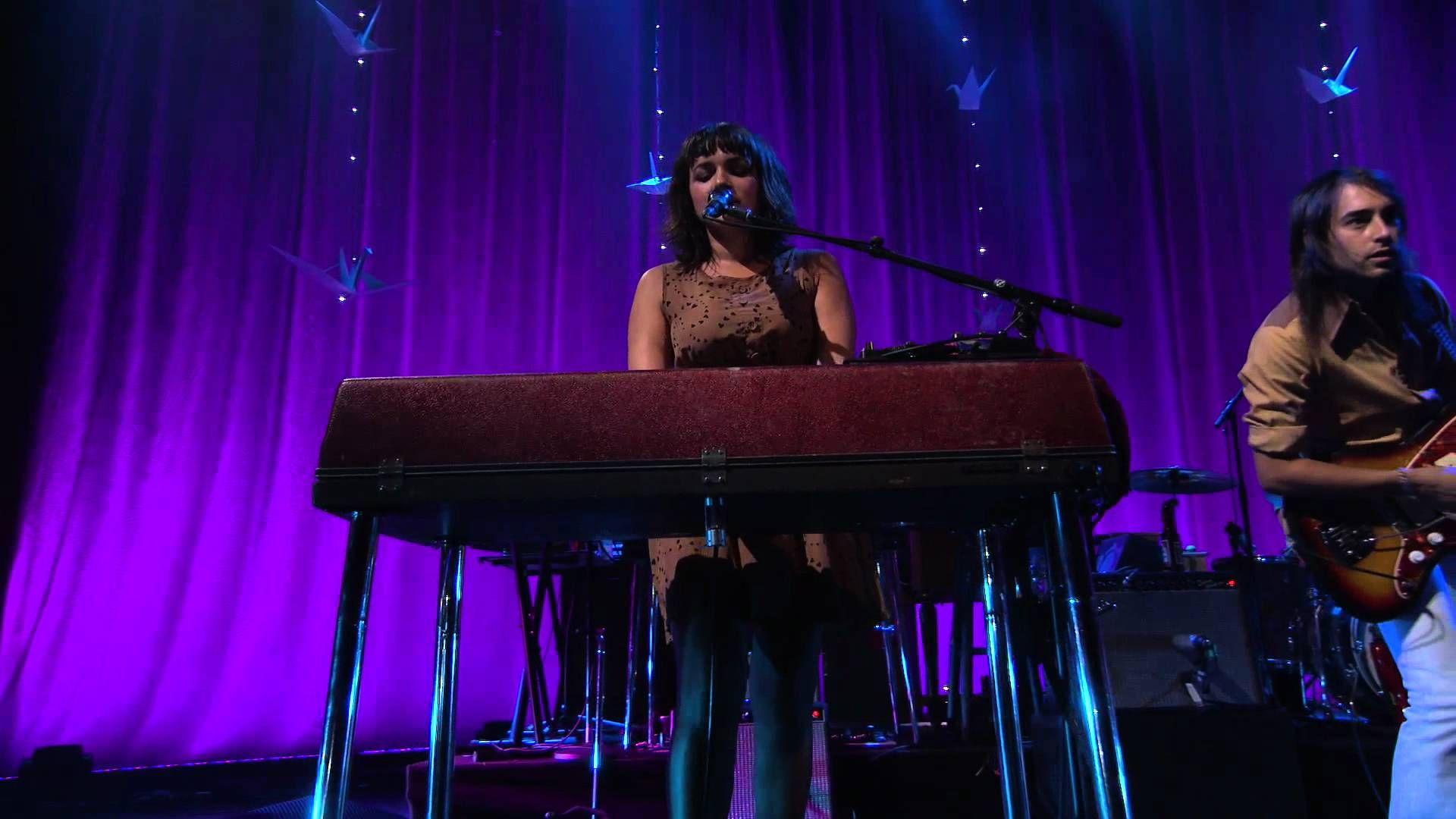 Say Goodbye - Norah Jones - iTunes Festival - 1080 HD { More dear Norah Jones much further below}