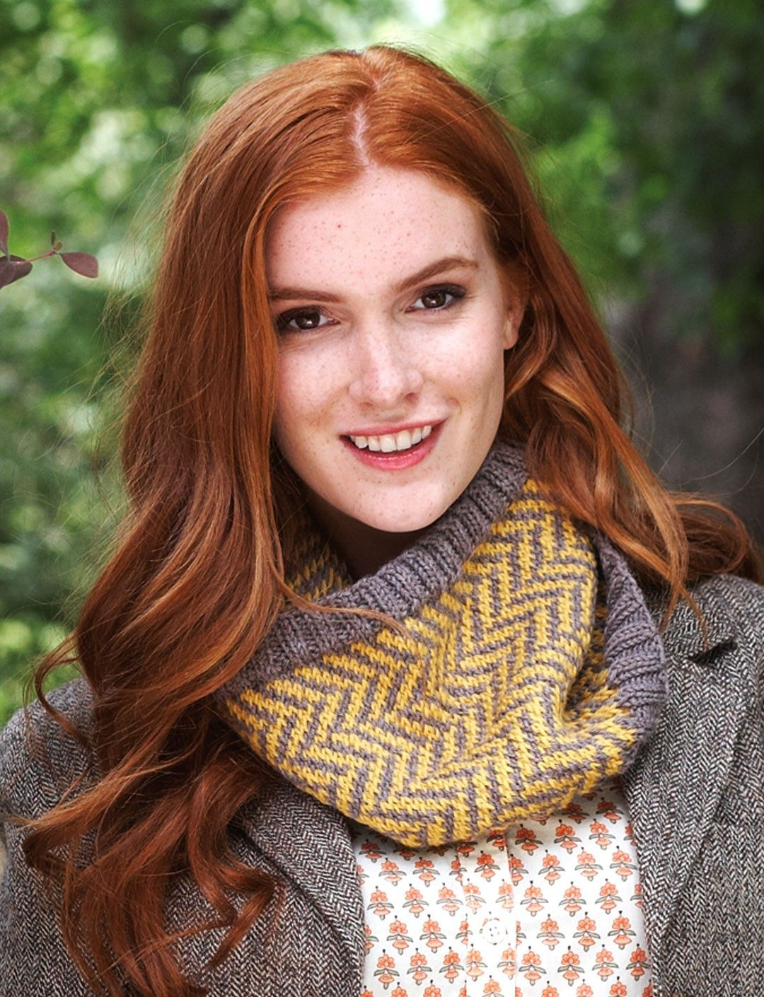 Chevron Cowl in Patons Classic Wool Worsted