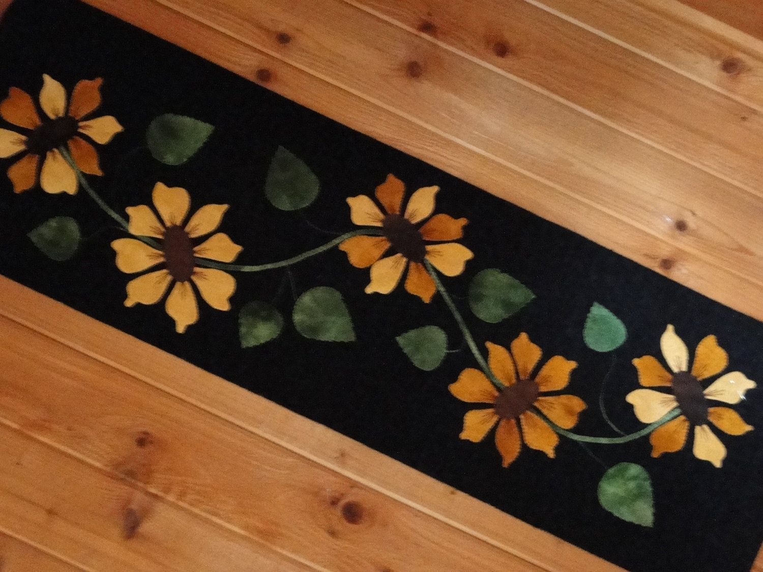 Applique Table Runners   Sunflower Wool Applique Table Runner Pattern By  Yogybooboo On Etsy