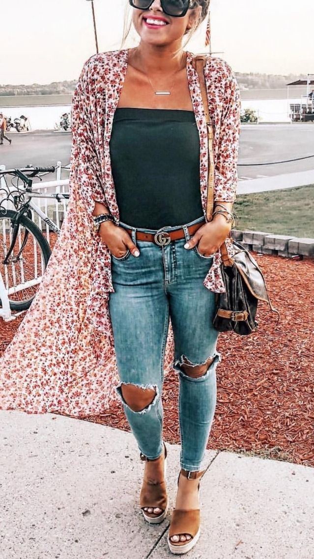 Stunning Casual Fall Outfit with Sneakers 9
