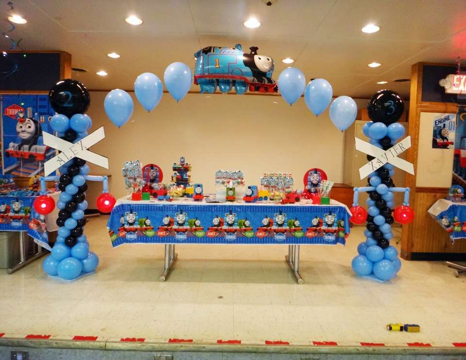 Thomas The Tank Engine Party Birthday Quot Alex And Xavier