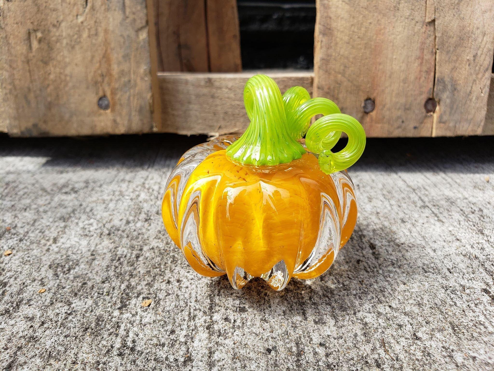 Avalon Glassworks 4.5 Decorative Curly Stem Squash Sculpture Halloween Thanksgiving Autumn Decor Orange /& Green Hand Blown Glass Pumpkin