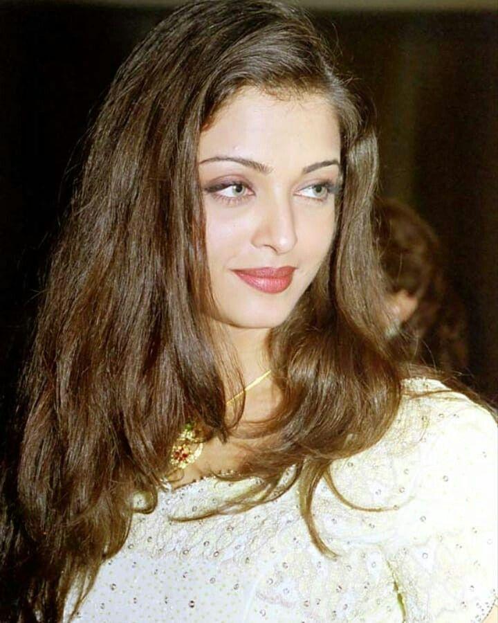 Gorgeous lady Aish 💜   Aishwarya rai makeup, Aishwarya rai ...
