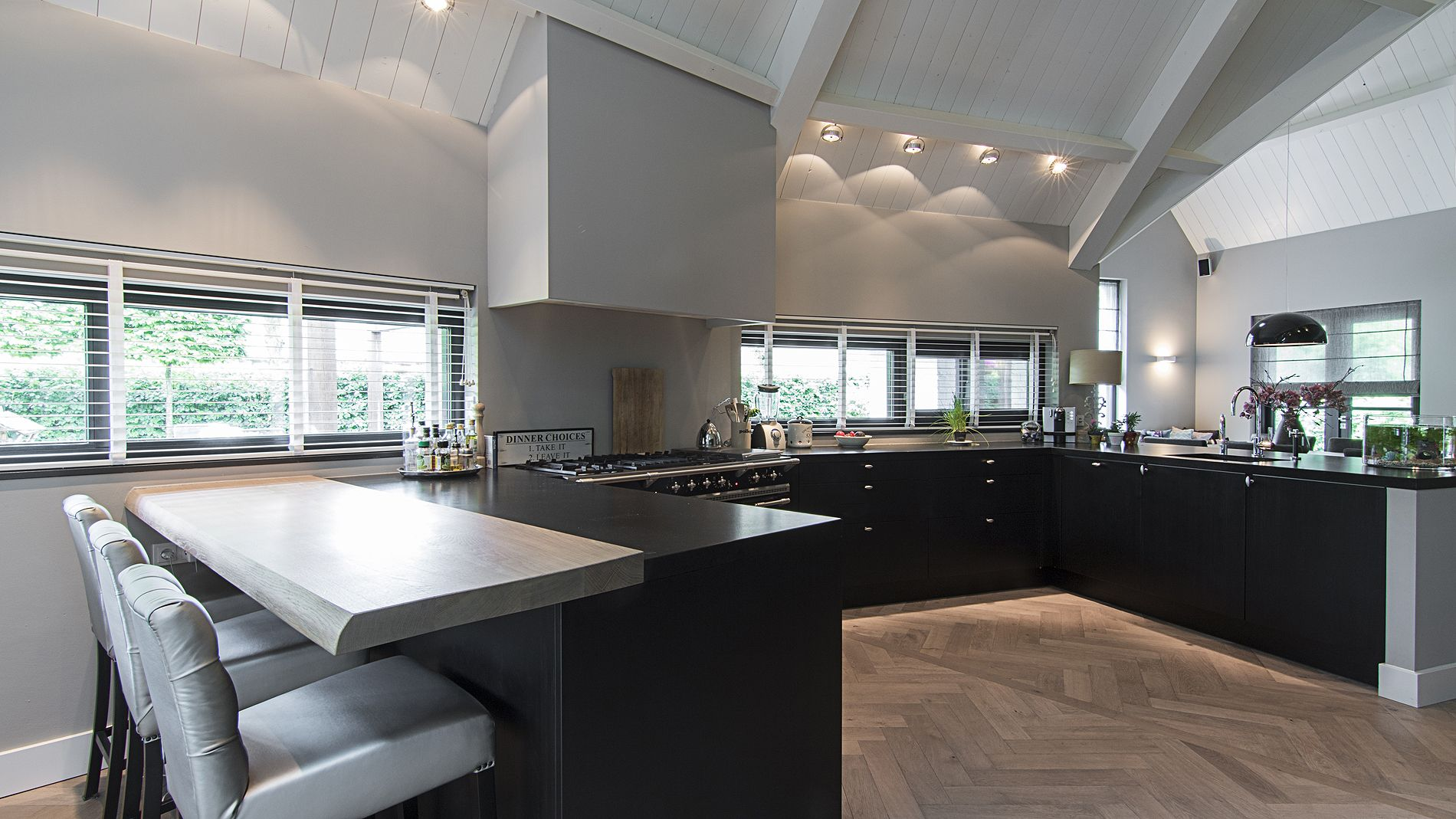 Eggersmann maatwerk keuken zwart eiken keuken