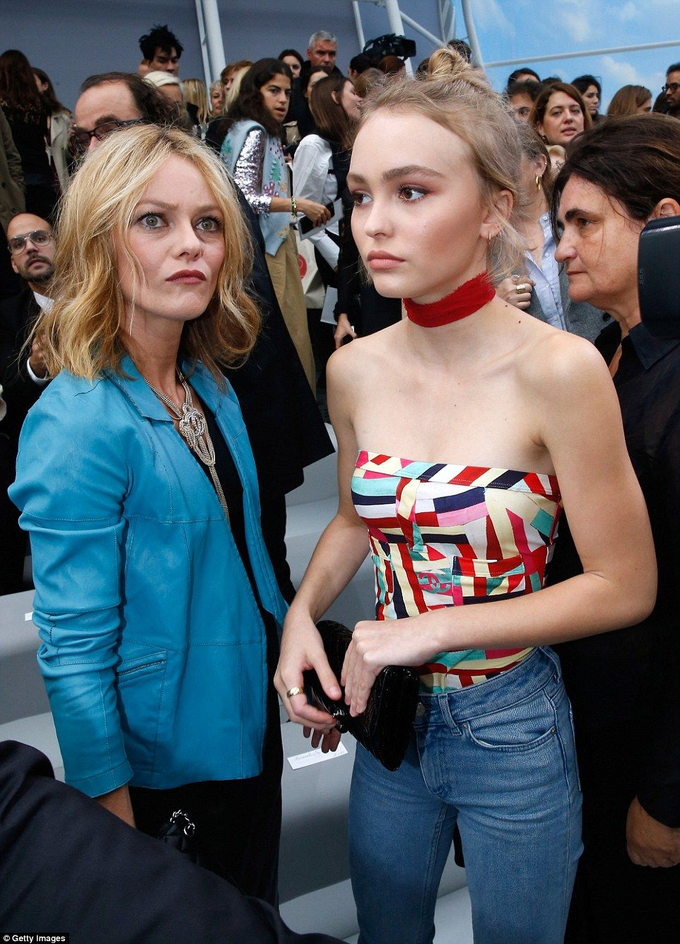 Arte Concert Vanessa Paradis Lily Rose Depp 16 Oozes Carefree Model Vibes At Chanel Pfw Show