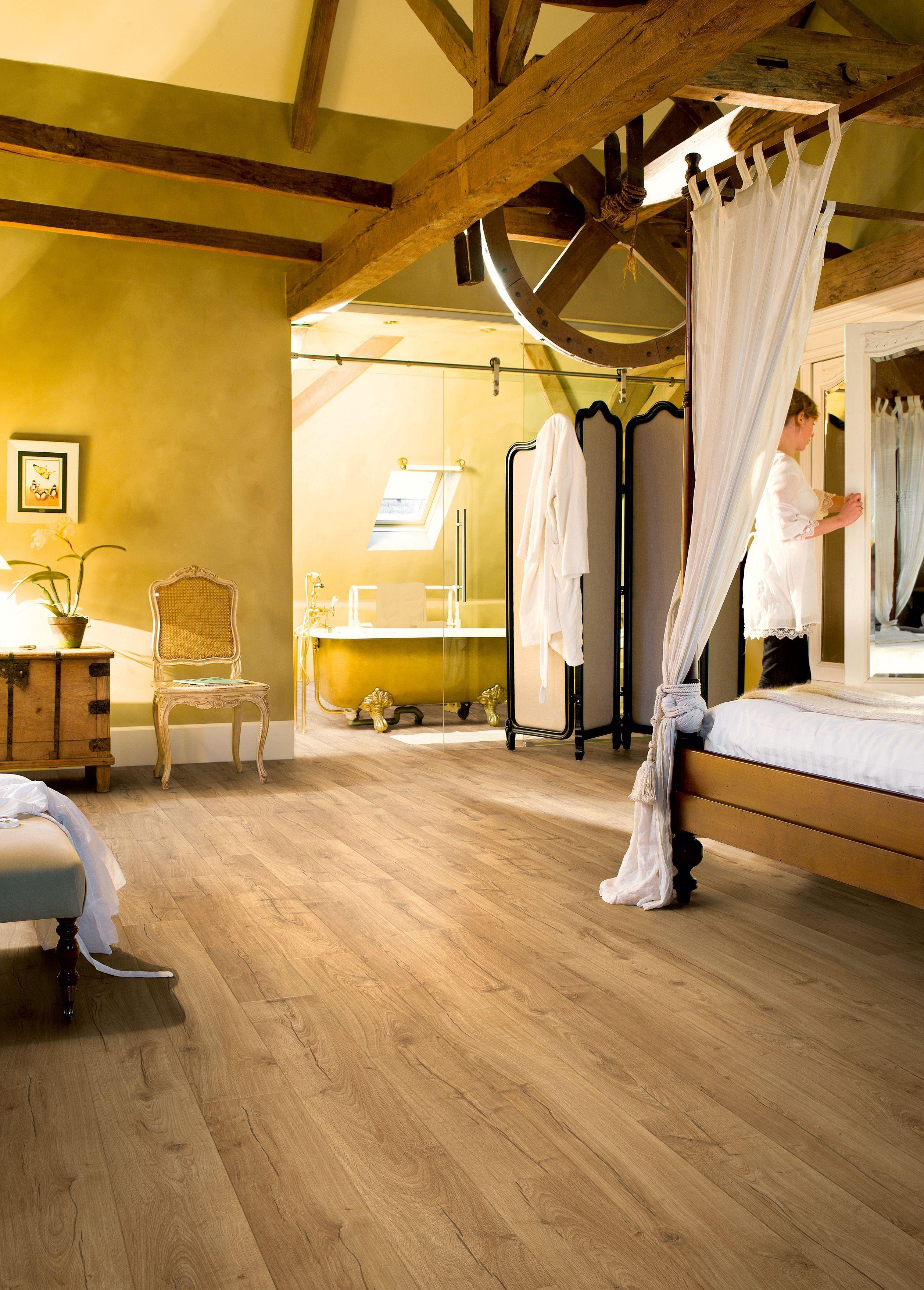Quickstep Aquanto Oak Natural Look Laminate Flooring 1.835