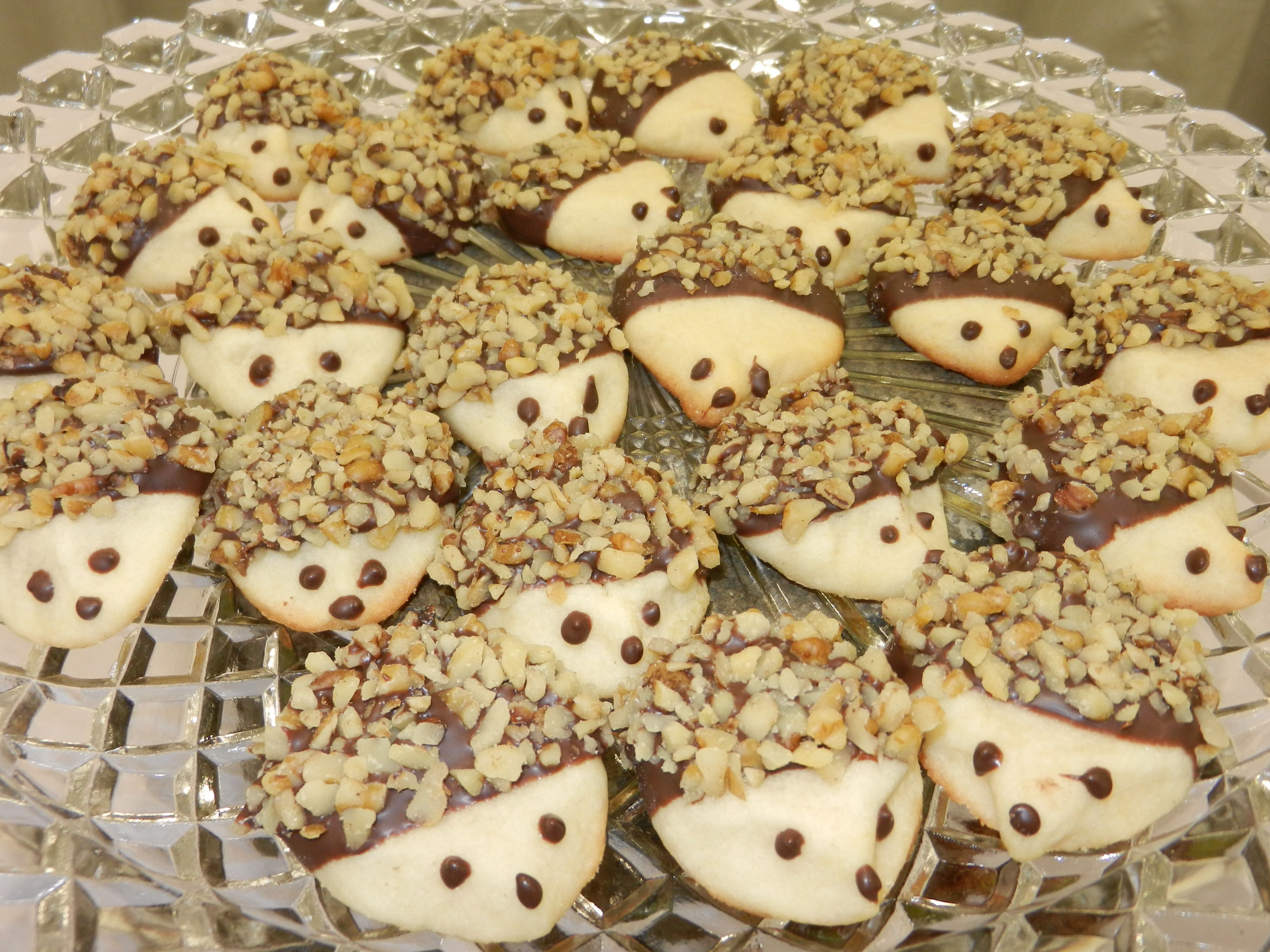 woodland themed baby shower food - Hedgehog cookies - this picture is of the cookies we made using the recipe in the link