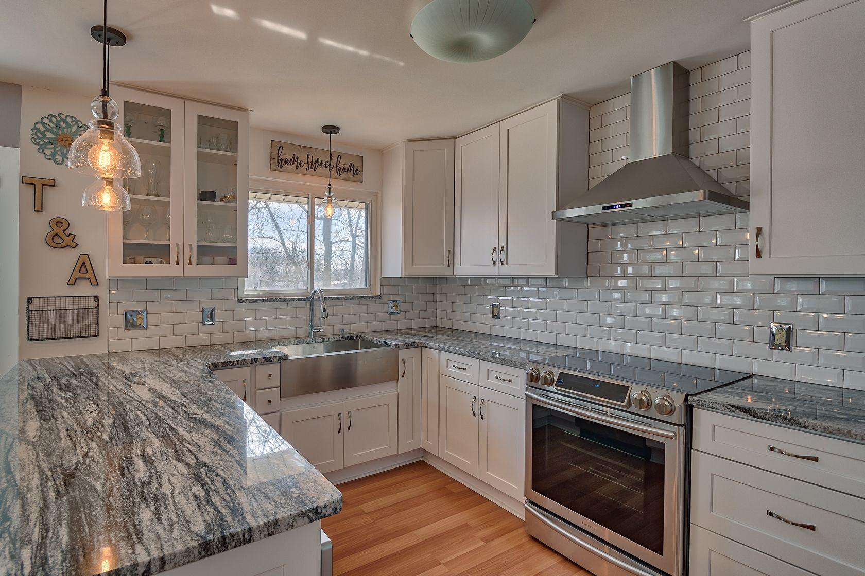Granite Kitchen Countertops Silver Cloud Granite White Cabinets With Granite Grey Granite Countertops Granite Countertops Kitchen