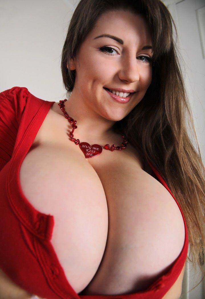 Pin By Endorphin Rush On Curvy Cleavage  Boobs, Lily -5452