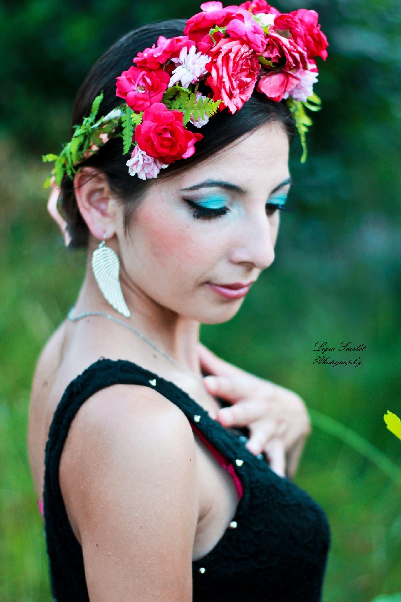 Flower crown pinterest flower crowns scarlet and crown httpsflicpyifs2n flower crown model izmirmasajfo