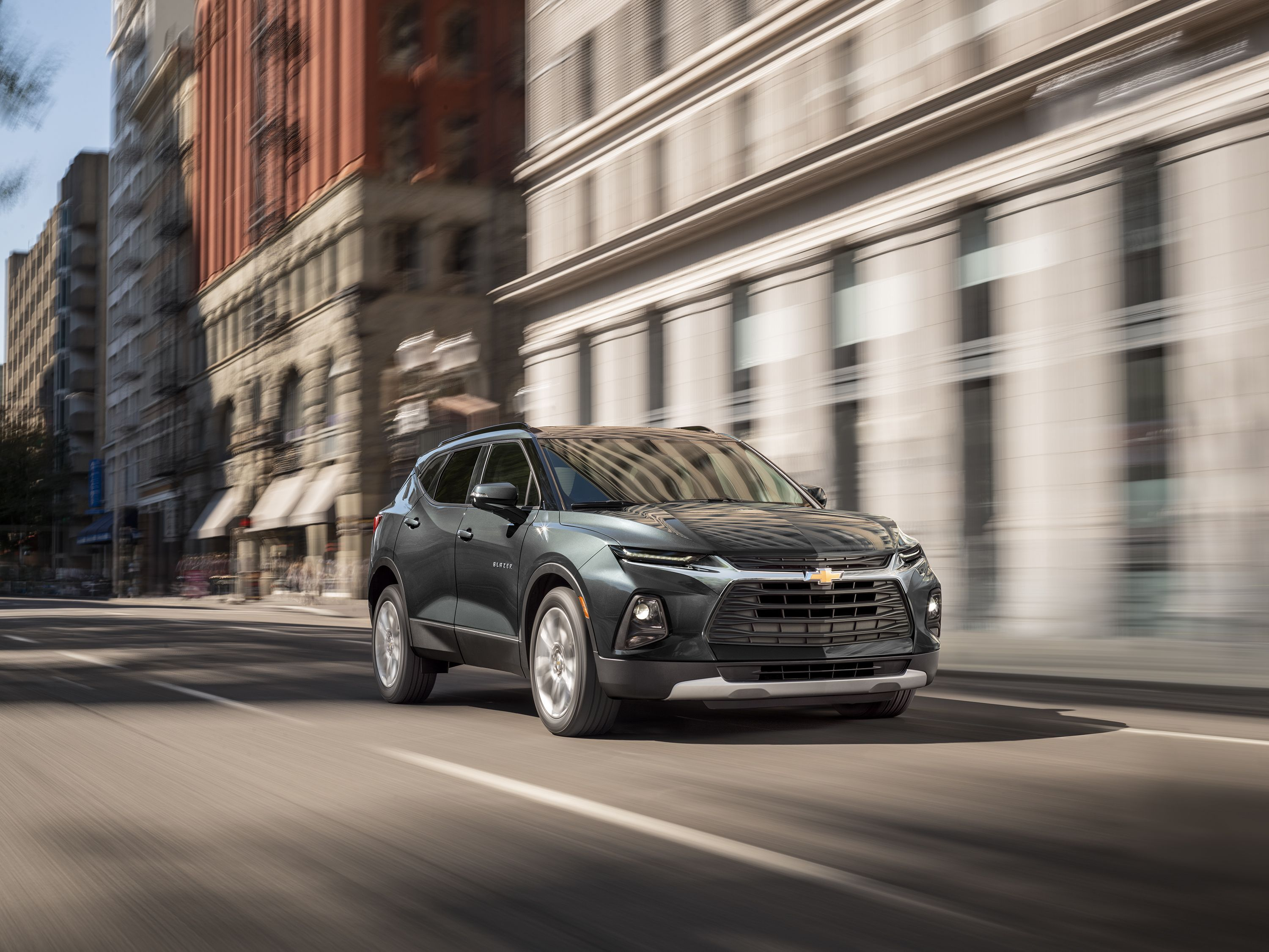 2020 Chevy Blazer Adds Turbo 2 0l Four Cylinder Starting At 33 995 Sporty Suv Mid Size Suv Chevrolet