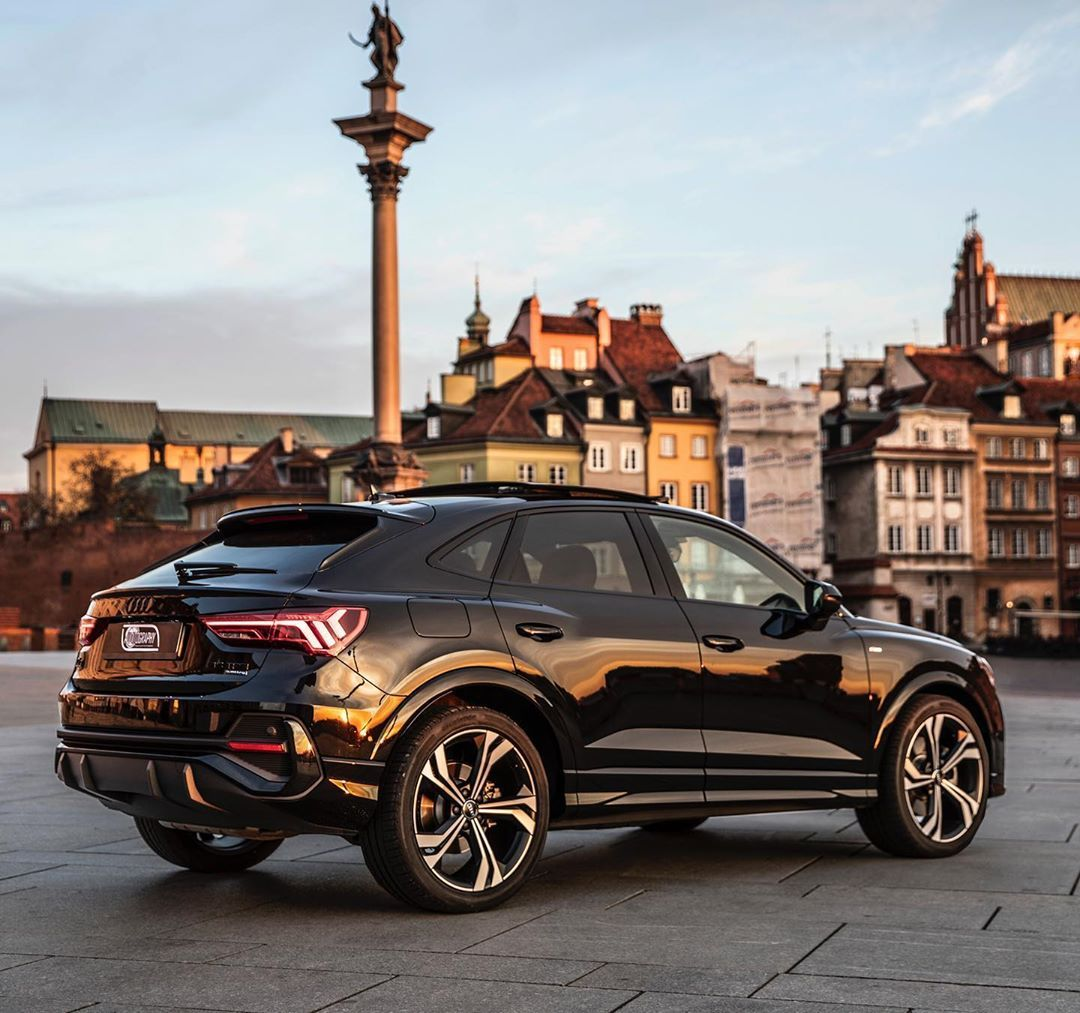 8 774 Vpodoban 31 Komentariv Auditography Auditography V Instagram From One Gorgeous Audi Design To Another I Can T Find A Audi Q3 Black Audi Audi
