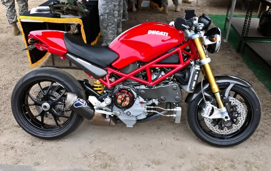 my s4rs at laguna seca red bull grand prix on display at the army exhibit anything ducati. Black Bedroom Furniture Sets. Home Design Ideas
