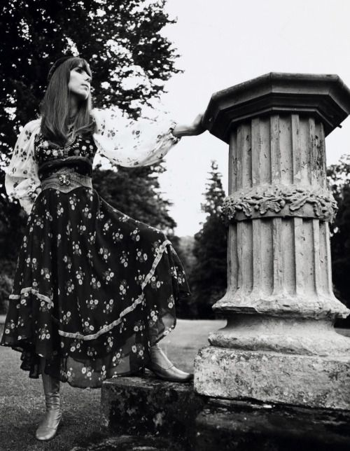 Hippie fashion photographed by Willie Christie, 1969. (♥)