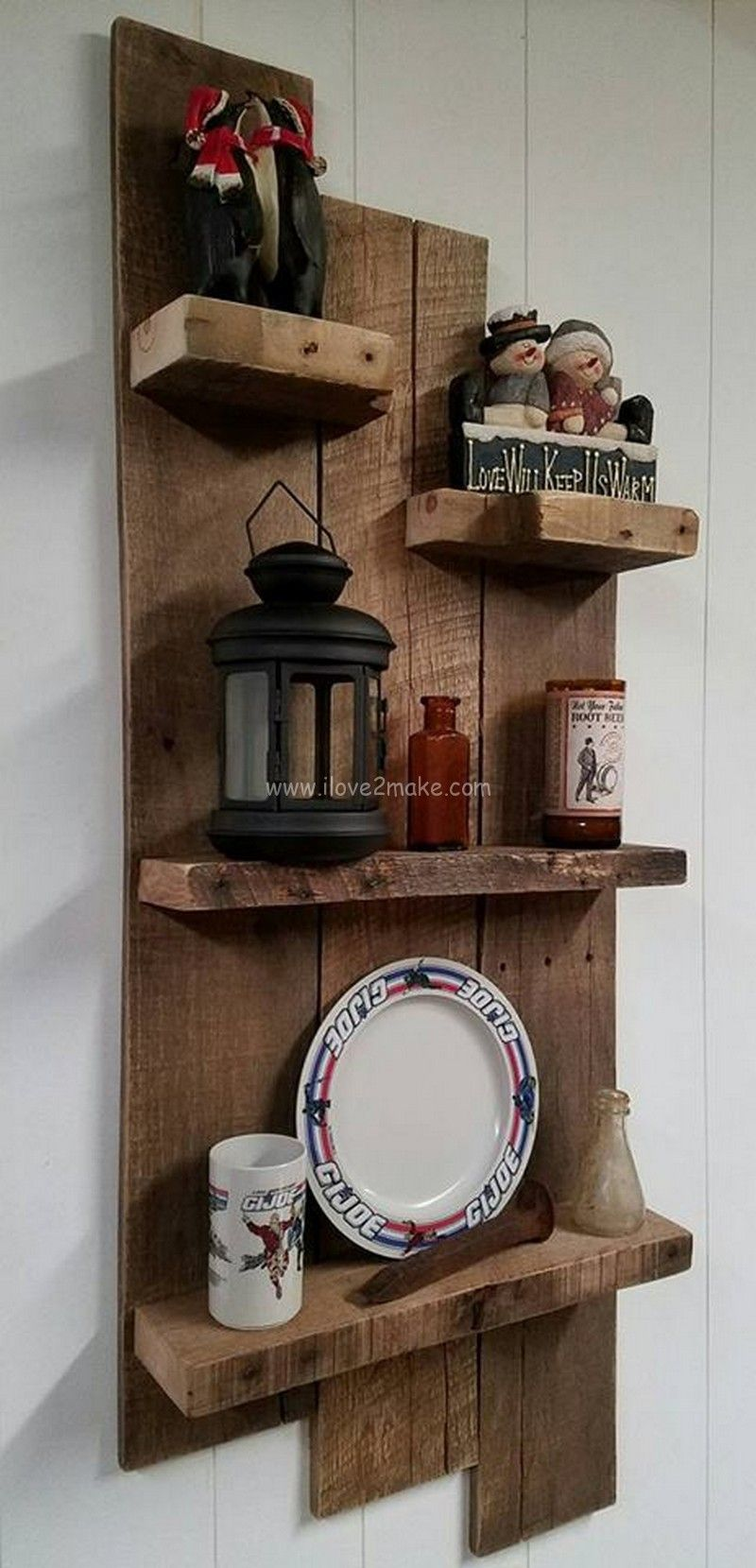 Pallet shelf design percheros for Deco en palet de madera