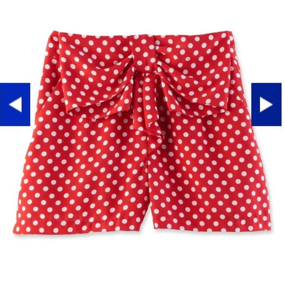 Lauren Conrad x Disney: Bow Front Shorts Size XL. Runs true to size, best for a 12/14. Side zip. Worn once while at Disney. LC Lauren Conrad Shorts