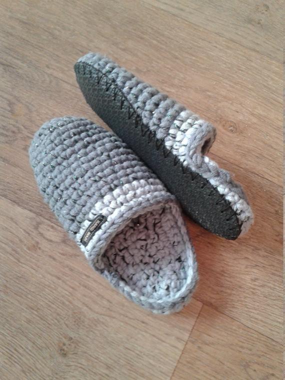 Photo of Articoli simili a Pantofole a maglia pantofole calde pantofole. su Etsy