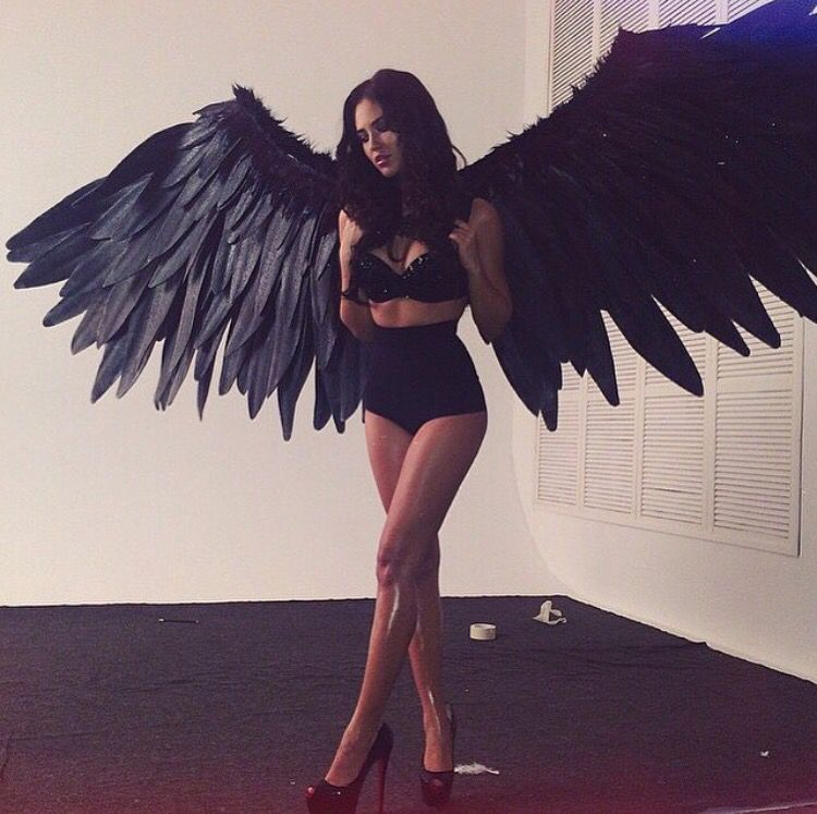 this picture doesn\u0027t belong to me I wouldn\u0027t get mad if - angel halloween costume ideas