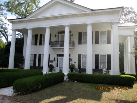Historic Homes For Sale, Rent or Auction With between 4