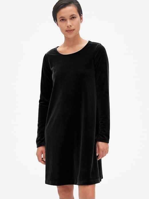 2cc85ab8b563 Gap Women s Long Sleeve Velvet Swing Dress True Black