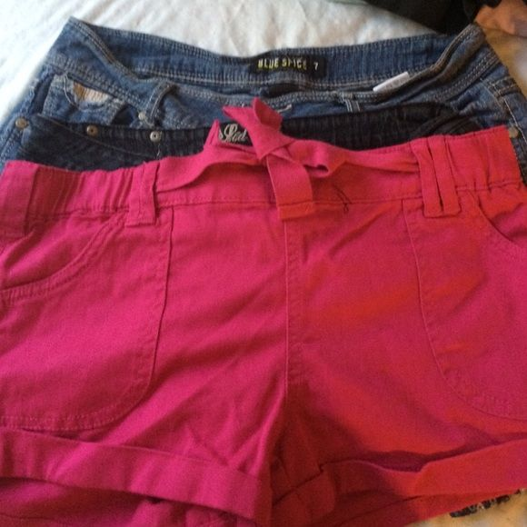 Lot of 3 Very Cute Size 7 Shorts❣ All these shorts fit for a size 7. There all 3 different brands and are gently used except for the magenta colored shorts are brand new  These shorts are fashionable and perfect for the summer. Shorts Jean Shorts