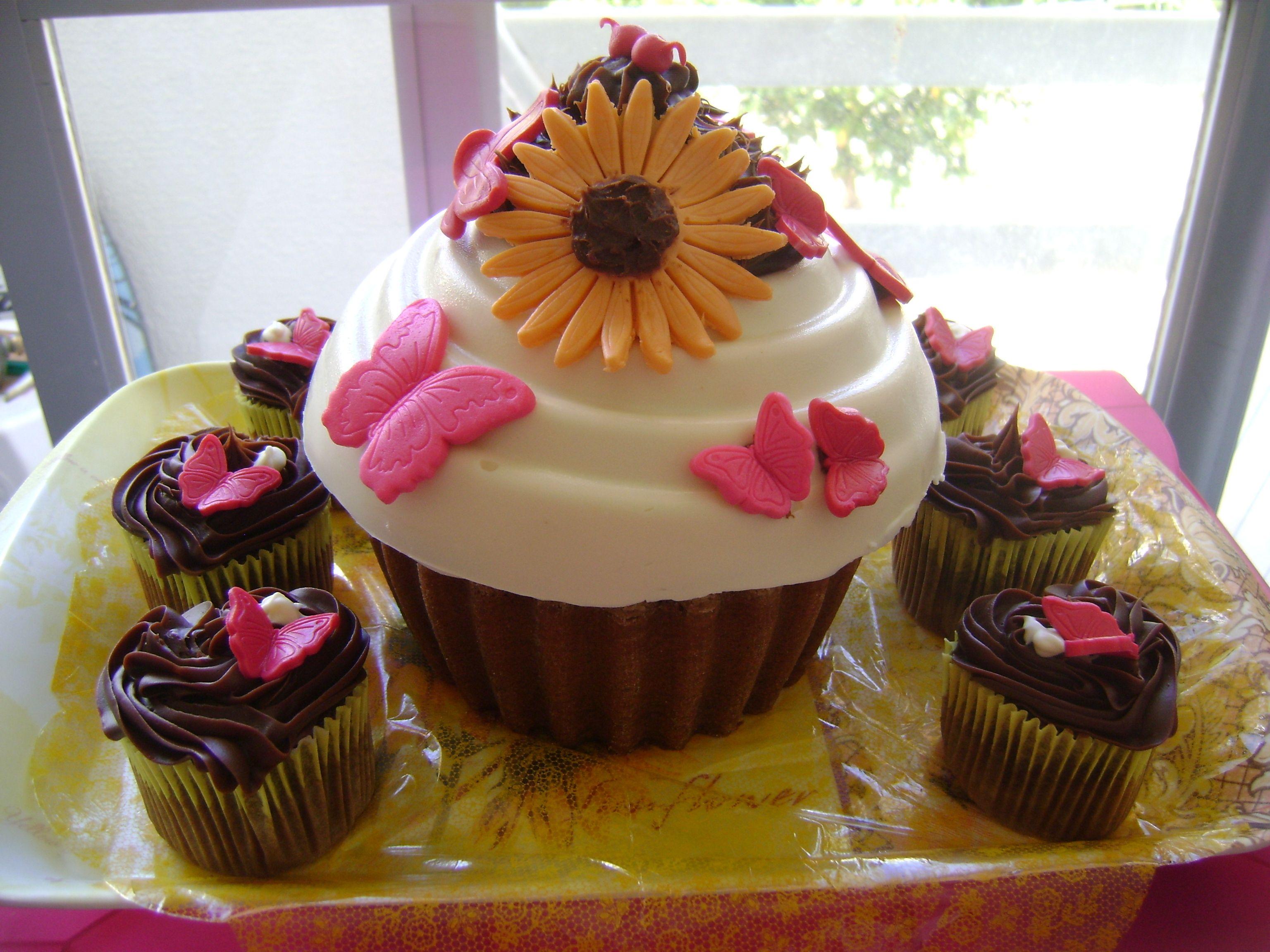 Conjunto de cupcake de chocolate 100% comestível
