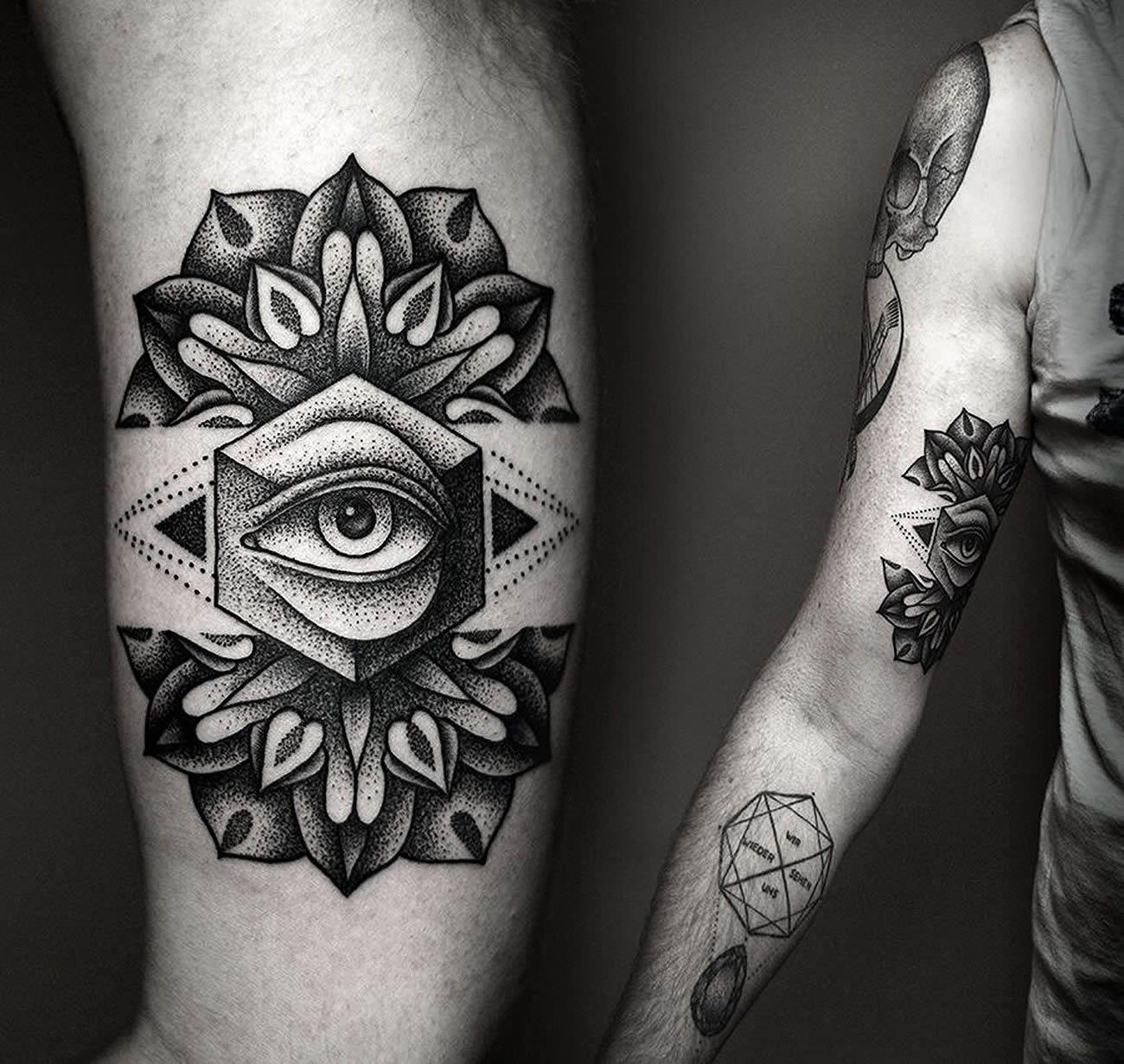 Tattoo and photo by © Kamil Czapiga. °