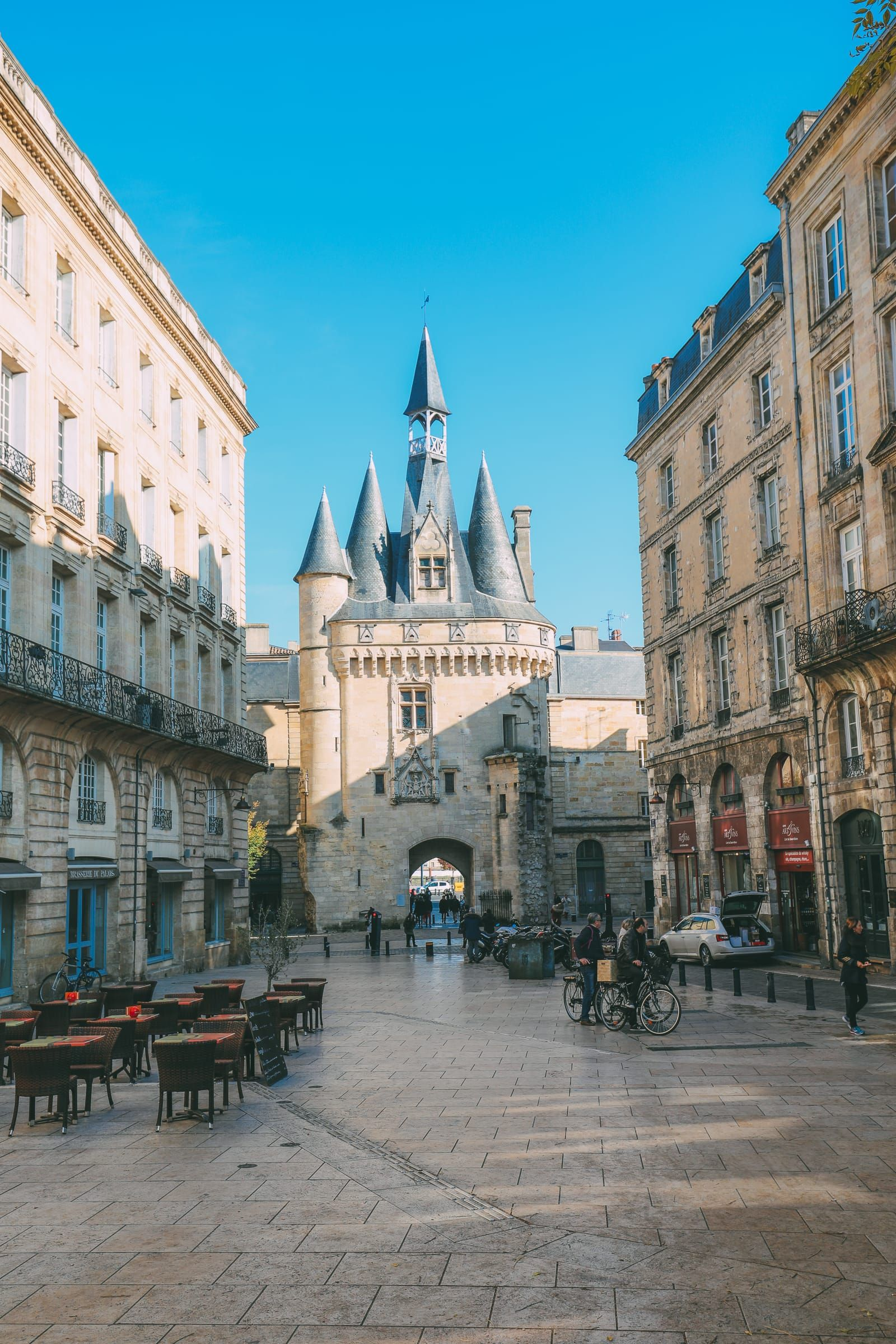 BORDEAUX: WINE TOURS   THE WINE EXPERIENCE
