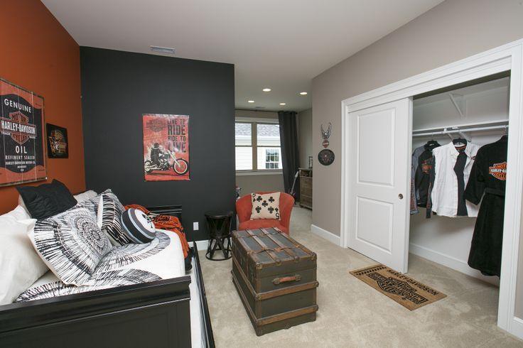 Harley Davidson Living Room Decor Ideas from i.pinimg.com