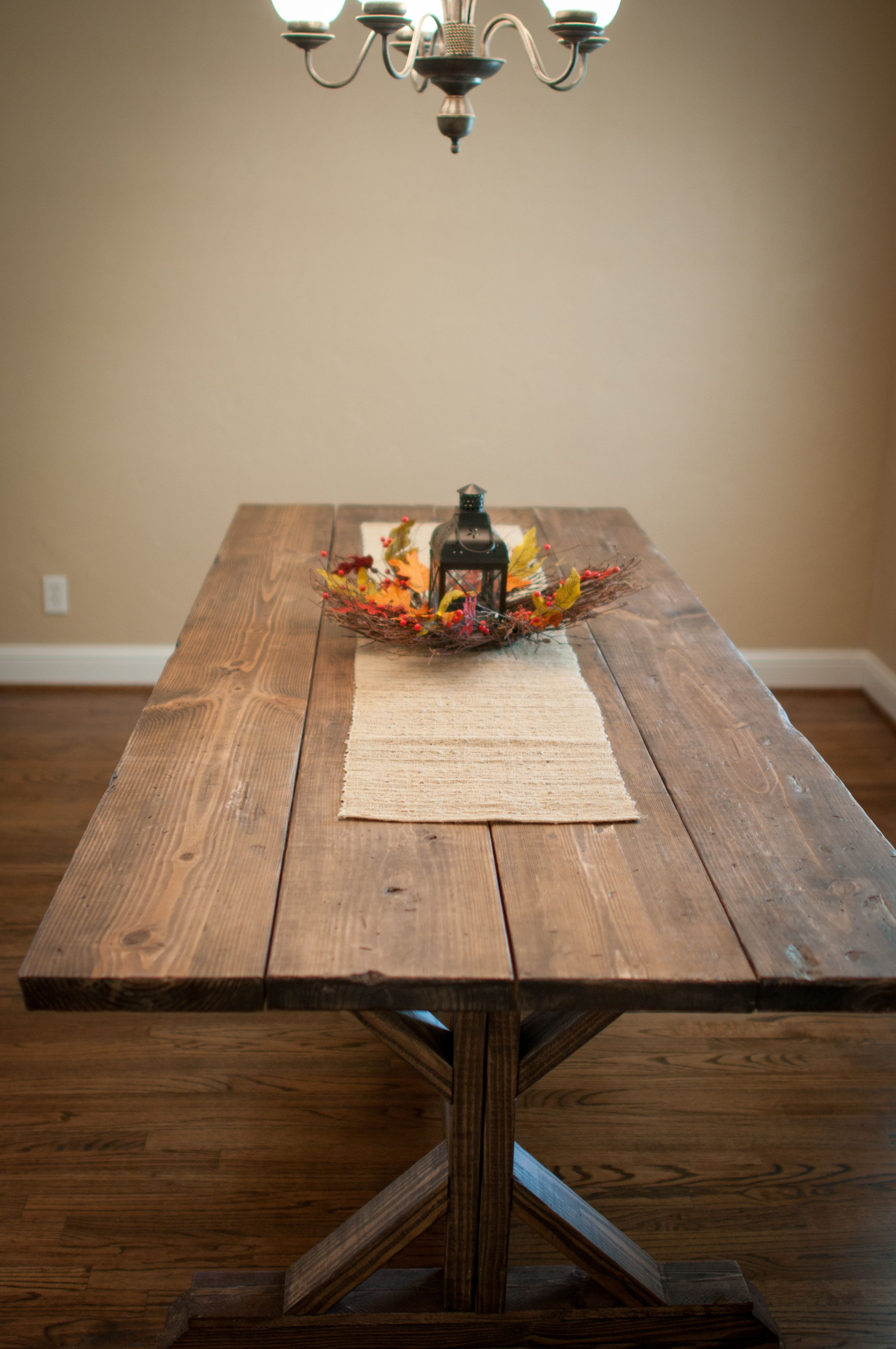 Love this stain color! Farmhouse X Table | Do It Yourself Home ...