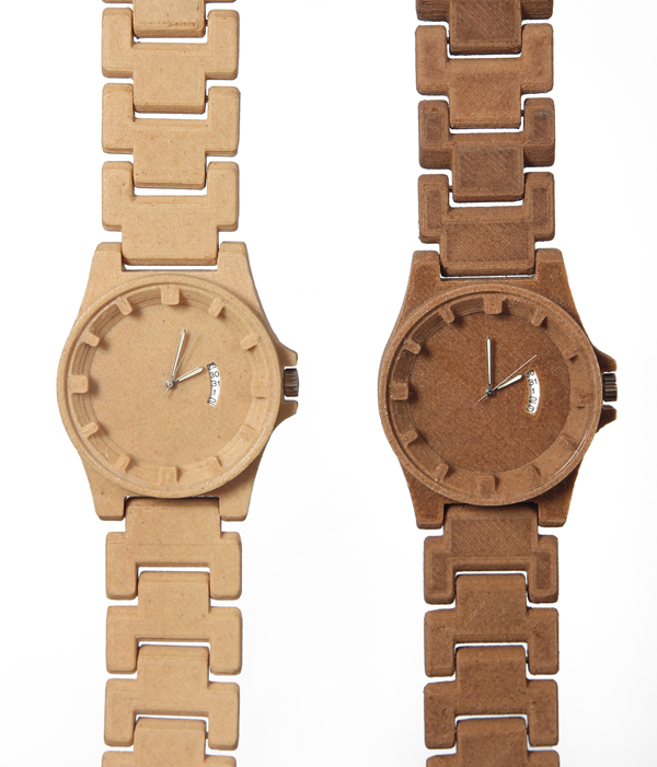 The Jelwek Watch is made of a woodbased 3D printing