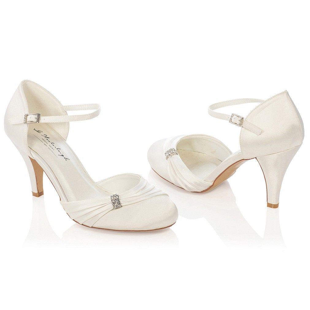 68b30425f146f Chaussure mariage ivoire ou blanche en satin à bout rond talon 9 cm -  Sophie - Westerleigh