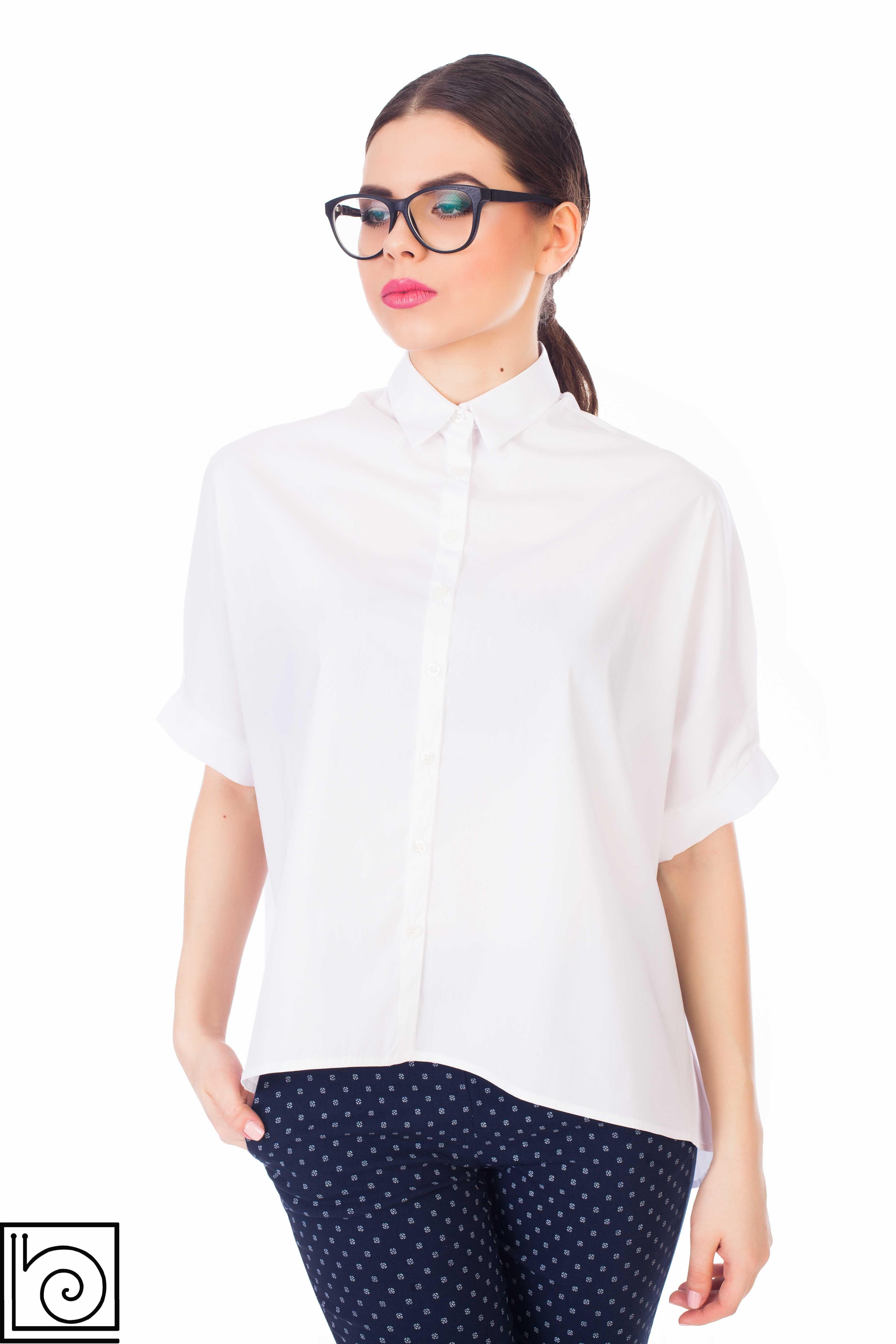 02e8bc69d36f Стильная белая женская рубашка, широкая, короткий рукав. Leidiro. Иалия.