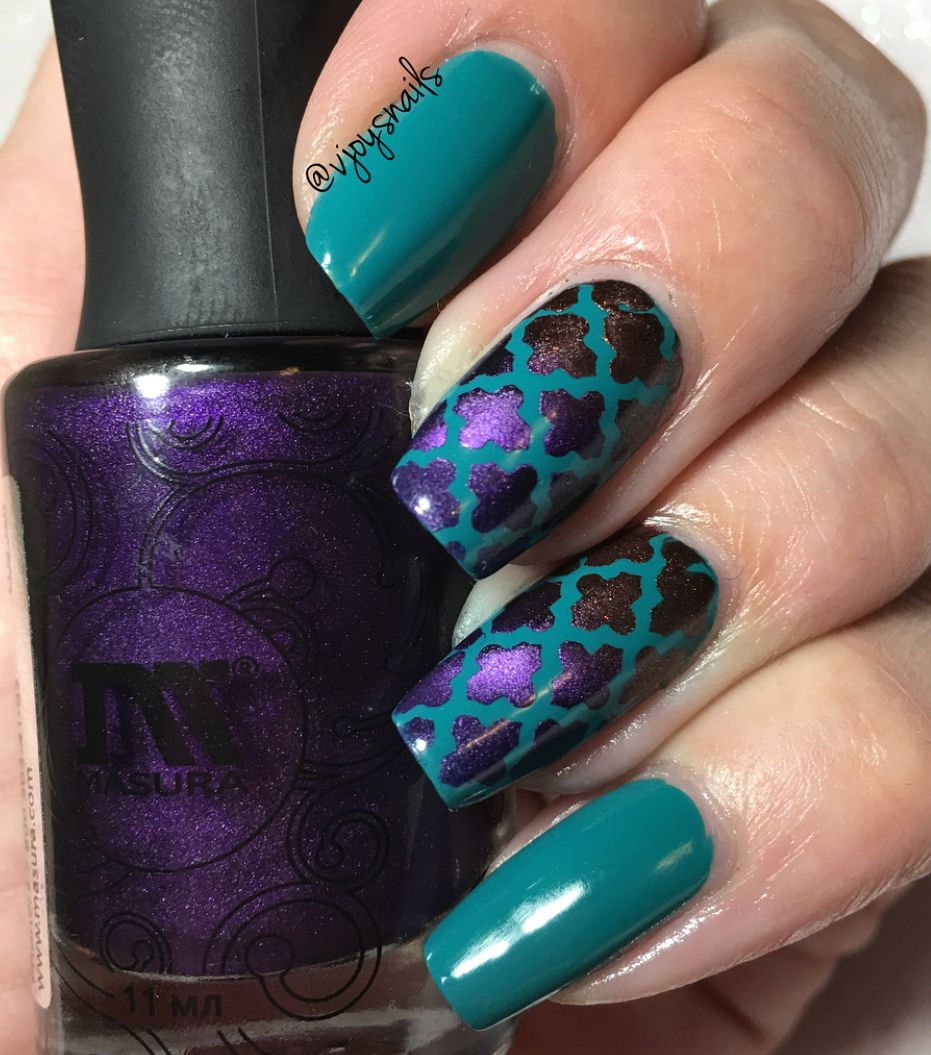 Stunning Turquoise Purple Quatrefoil Accent Manicure By