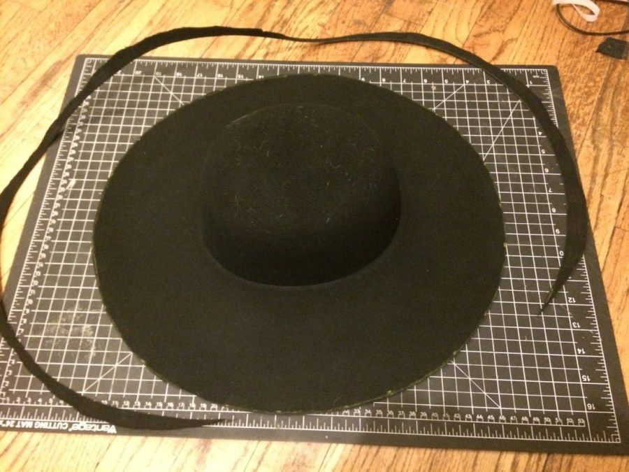 How To Make a Cavalier or Musketeer Hat  Basic Guide  6a09732bcf7