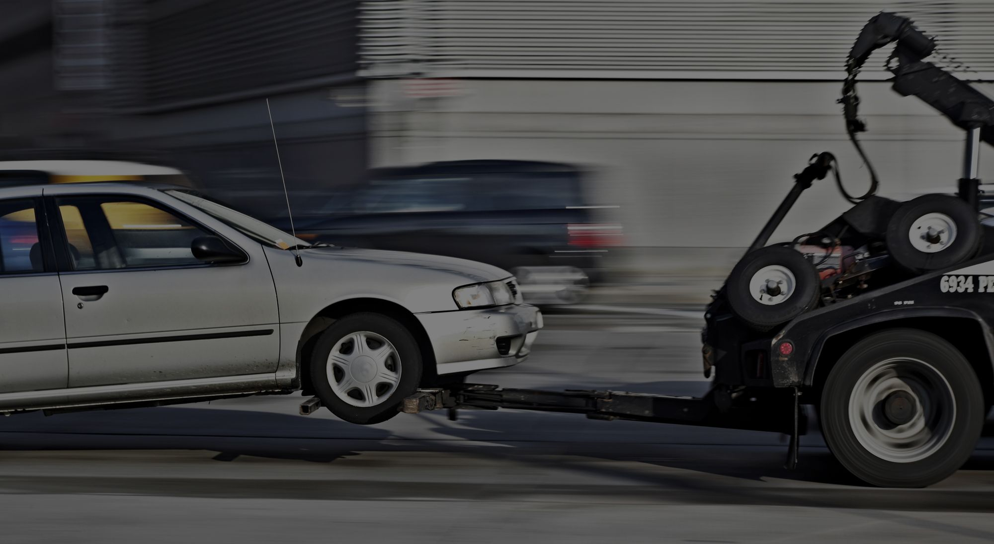 Find A Towing Service Near You 24 7 With Images Towing Service Towing Car