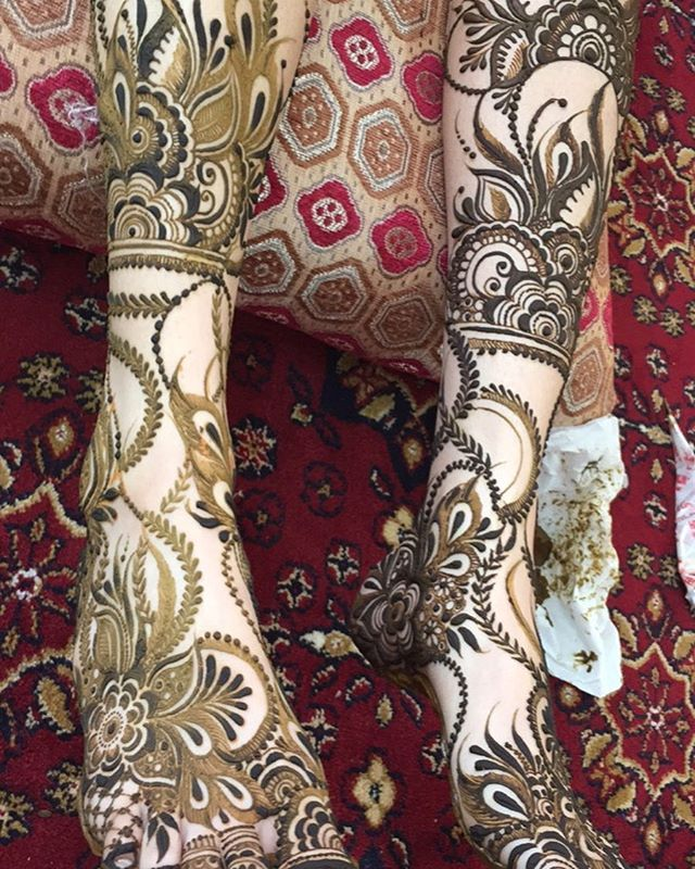 نقش عرايس Modern Henna Designs Arabic Bridal Mehndi Designs Legs Mehndi Design