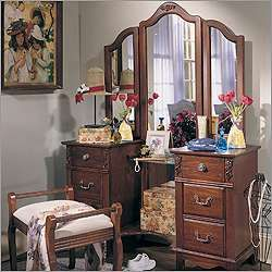 Antique Treasures Six Drawer Bedroom Vanity Set   Photo