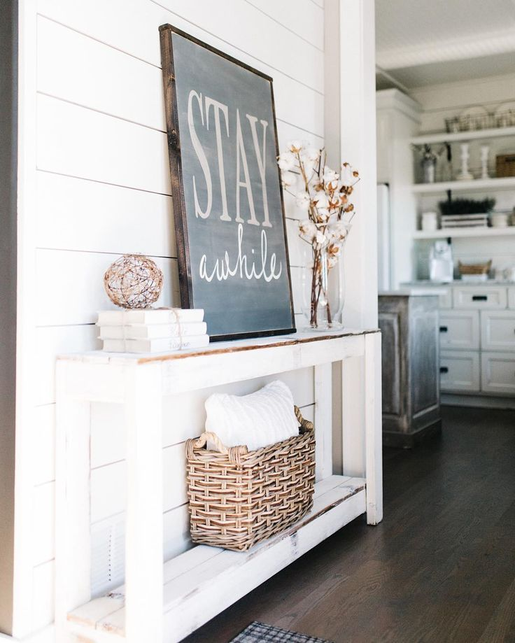 entryway sign.... absolutely love this! shiplap, neutral