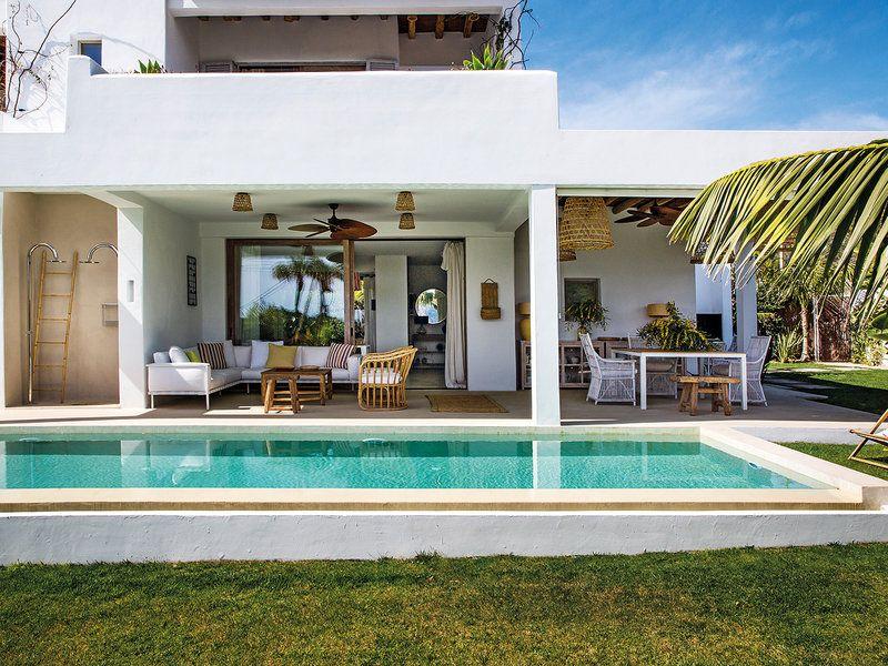 Una Casa Con Esencia Payesa Y Funcionalidad Contemporánea
