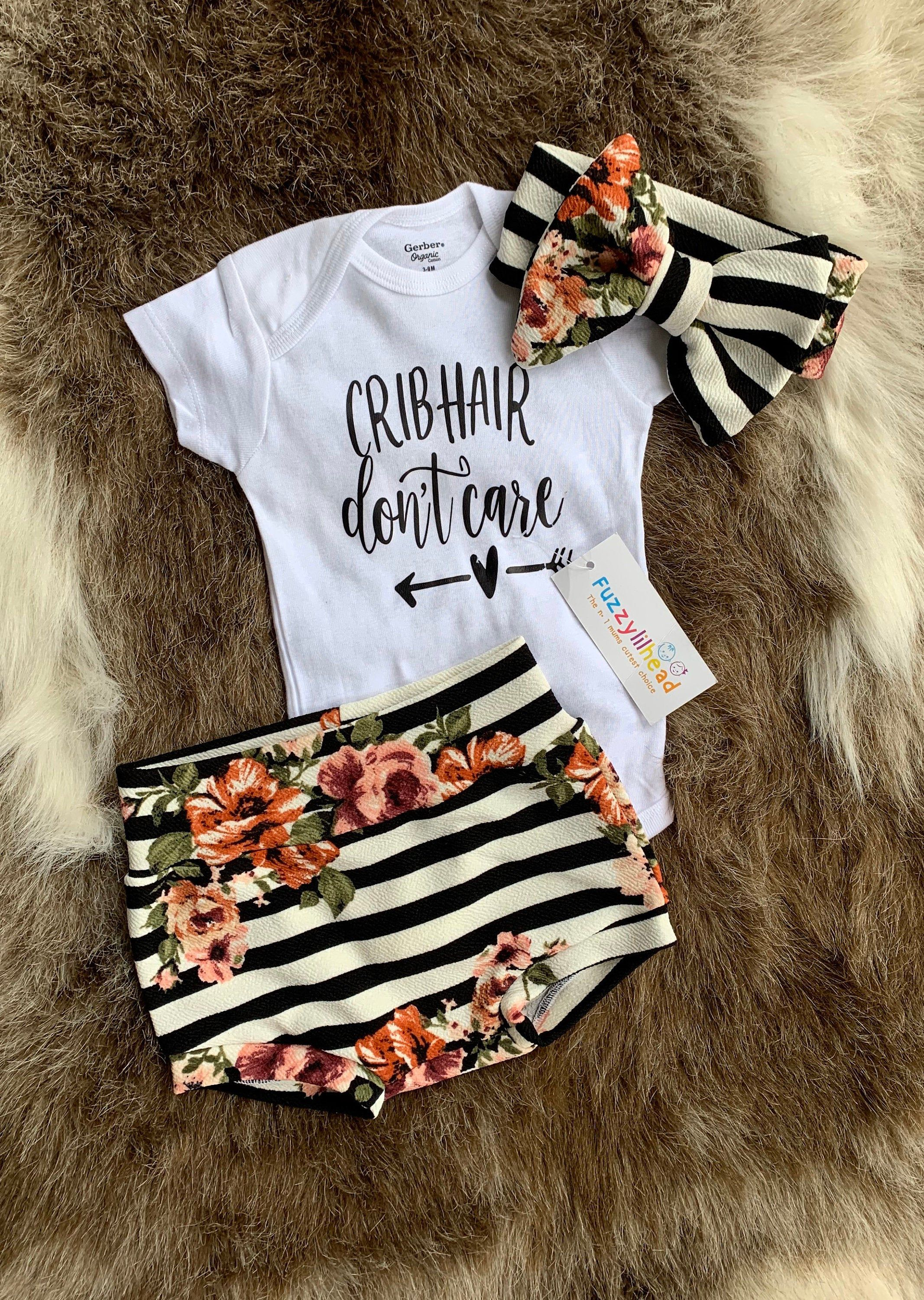 Girl Floral Bloomer Set,Oversized bow,Newborn girl going home outfit,Spring take home Outfit,Diaper Cover,girl gift, baby shower gift