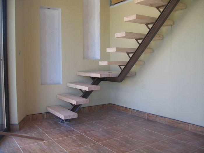 Resultado de imagen para interior single tread metal for Escaleras ligeras