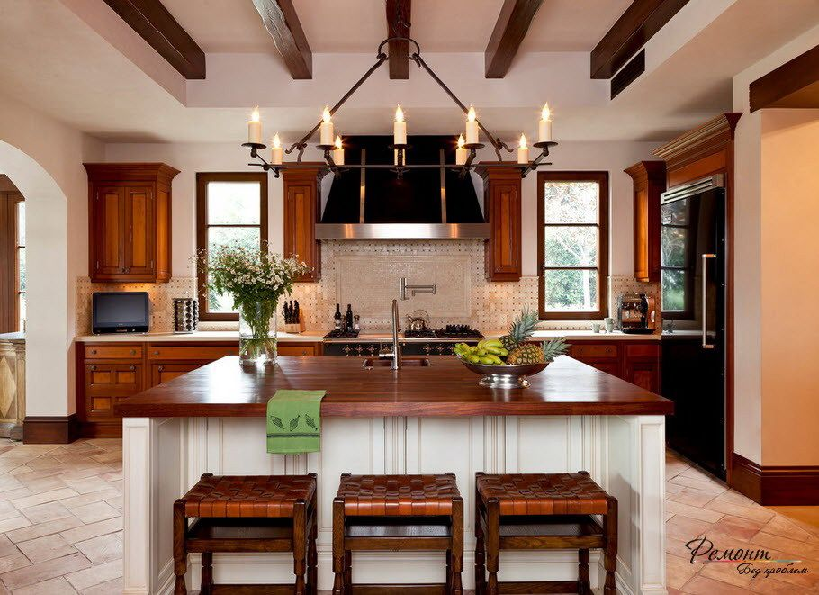 Beautiful Kitchen Design With Two Windows And Lovely Chandeliers