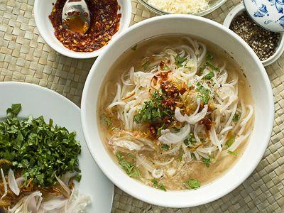 Burmese myanmar rice noodle soup sweat it out for Rice noodle fish