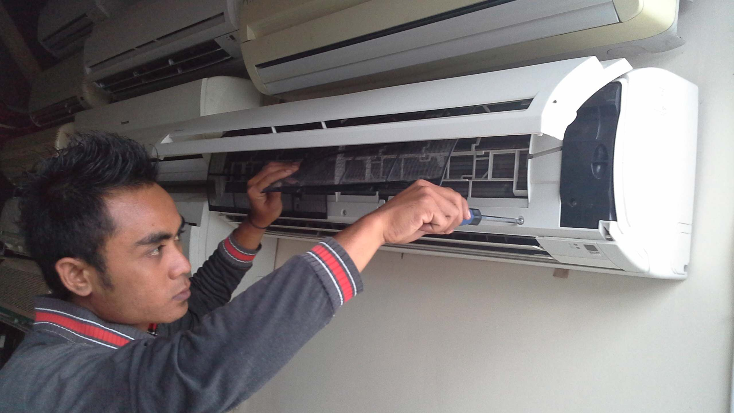Servis Aircon Serdang Air Conditioner Service Air Conditioning