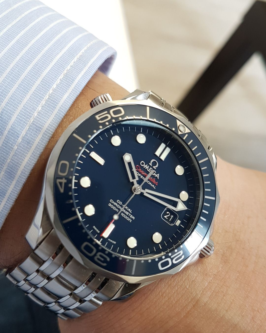 cc81df0024eb OMEGA Men s Steel Bracelet  amp  Case Automatic Blue Dial Analog Watch  Omega Seamaster Diver 300m