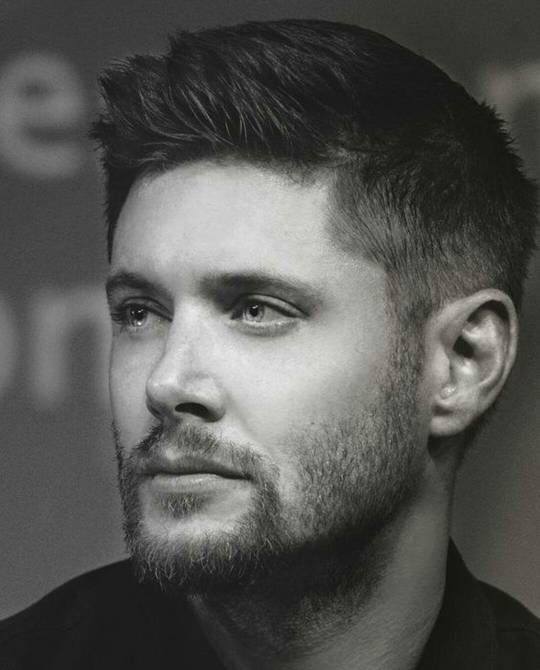 DAMN! he's fine as hell! #jensenackles
