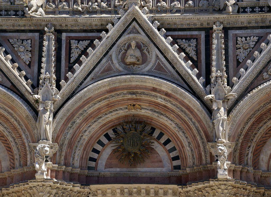 Siena, Piazza del Duomo, Duomo Santa Maria Assunta, Portallünette (portal lunette)